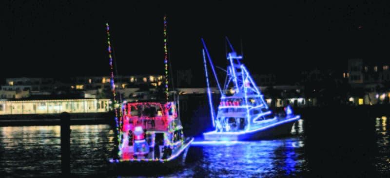 Las embarcaciones iluminaron las aguas de la marina de Cap Cana