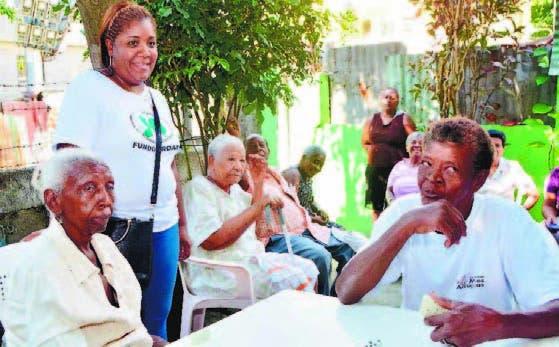 Los ancianos hallaron una manera de apoyarse y recrearse