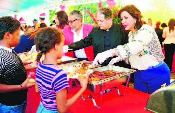 Margarita atendió personalmente a los niños y adolescentes
