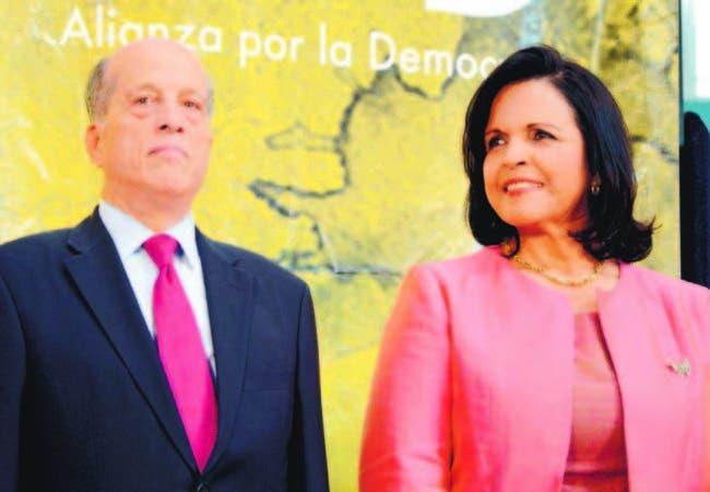 Max Puig, de Alianza por la Democracia (APD), y Minou Tavárez Mirabal, de Opción Democrática (OD).