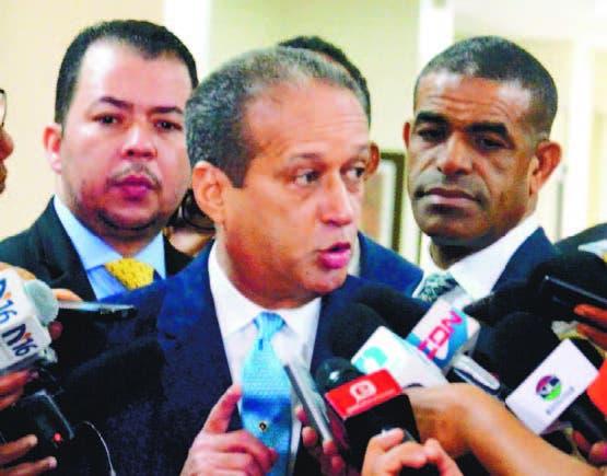 Pared Pérez fue entrevistado en el Senado de la República