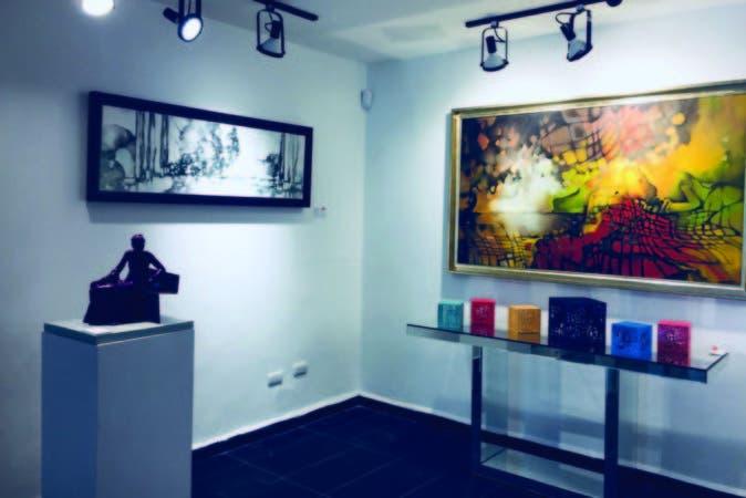 Pinturas y esculturas de Amaya Salazar.