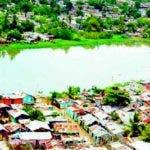 Pobreza en orillas del río Ozama