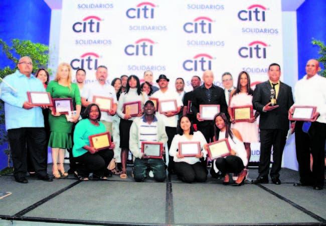 Se premiaron ocho categorías, entre las cuales destacó el premio principal a la Microempresa del año.