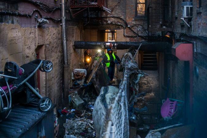 Incendio en un edificio del Bronx cobra 12 vidas; investigan causas