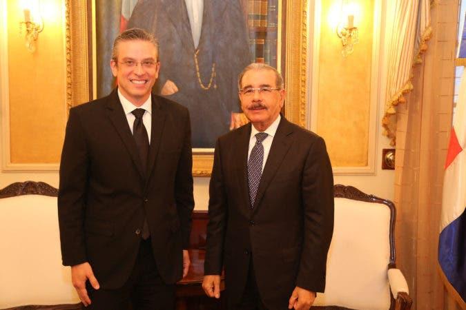 Medina recibe a exgobernador de Puerto Rico, Alejandro García Padilla