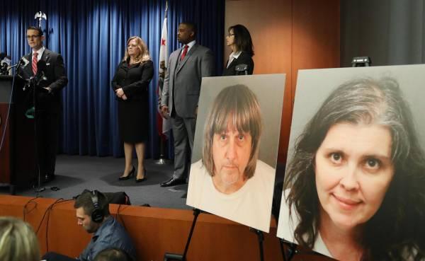 Tortura, abuso, actos lascivos: imputan a padres de 13 hijos confinados en EEUU