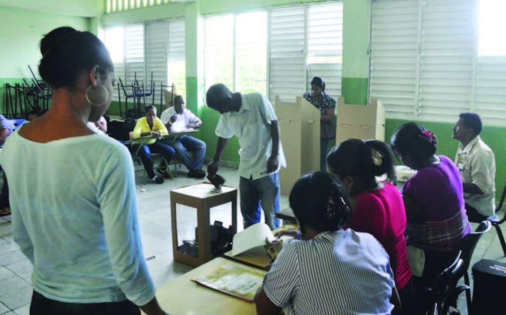 Nueva Democracia llama a crear tercer bloque electoral