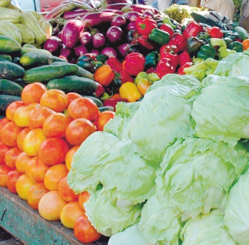 Restricciones; Precios de alimentos suben 33% en un año