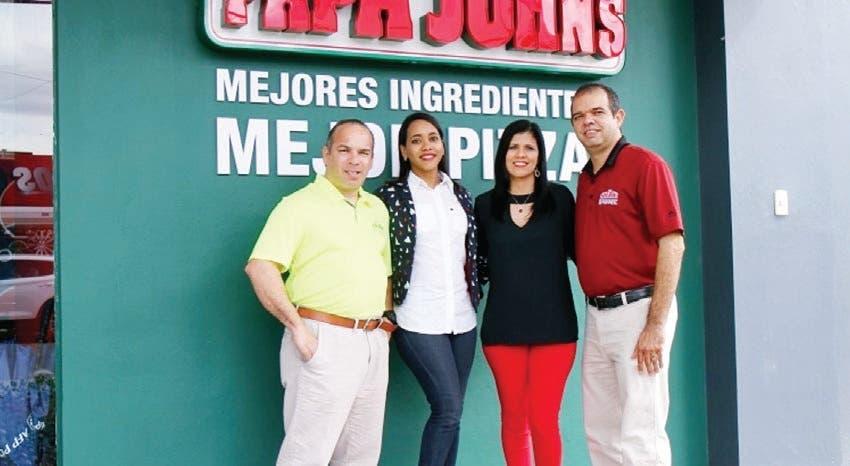 Inauguran restaurante de Papa John's en La Vega