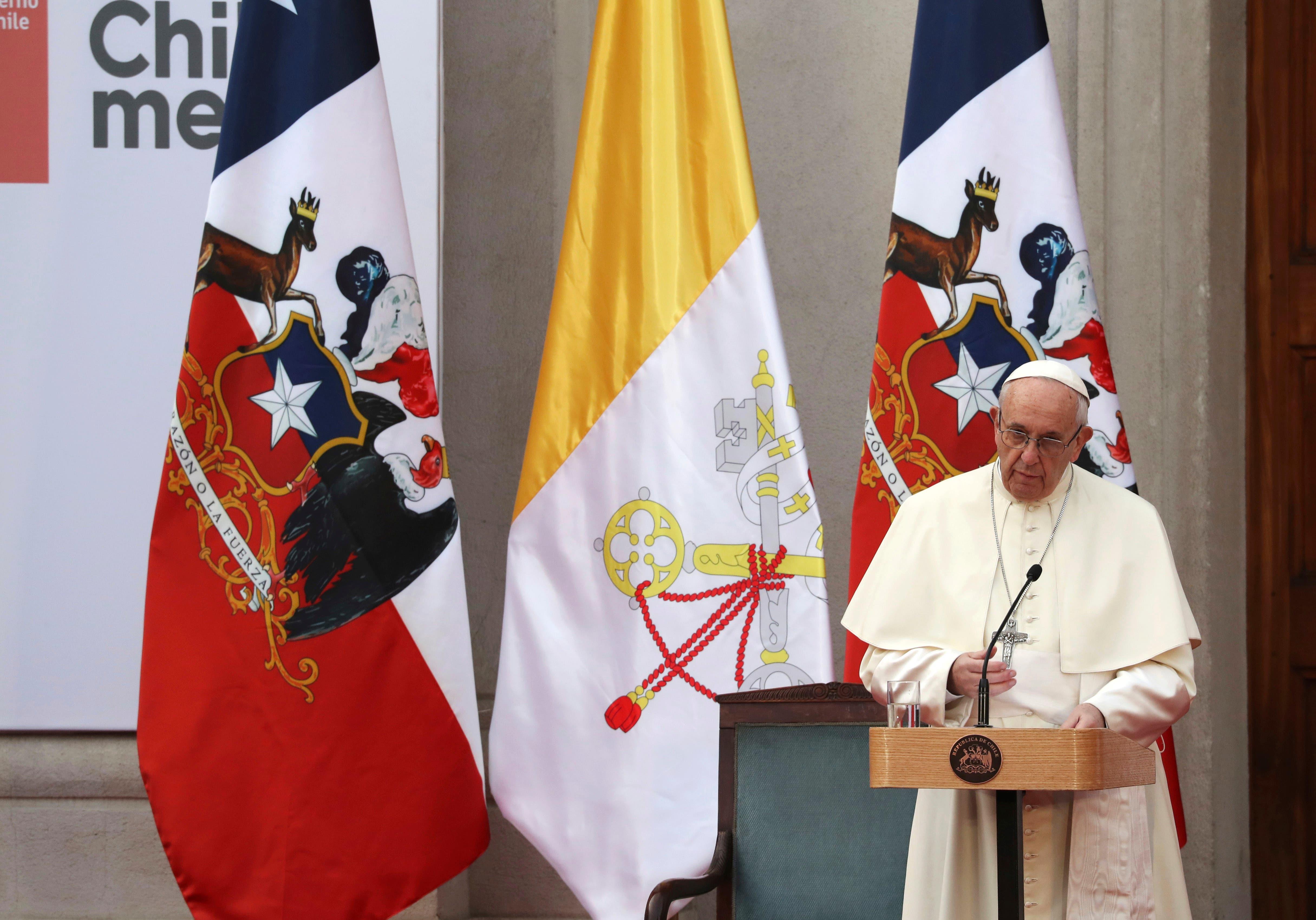 """Video: El Papa pide perdón a chilenos por """"daño irreparable"""" causaron abusos sexuales"""