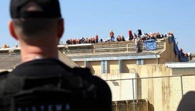 Brasil: Un centenar de presos fugados tras motín que dejó nueve muertos y 14 heridos