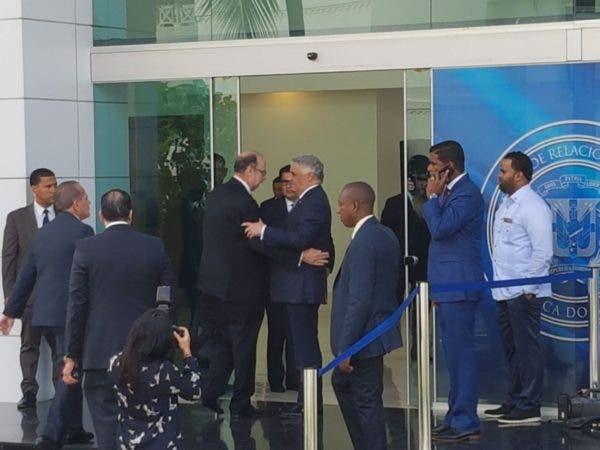 La oposición venezolana volverá a dialogar con Maduro