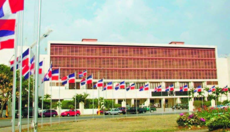 Comisión de Industria, Comercio y Zonas Francas del Senado oirá a Ministerio de Industria y al CEI-RD.