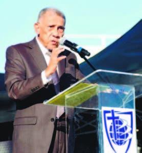 El pastor Ezequiel Molina Rosario predicó ante la presencia de miles de cristianos evangélicos que el primero de enero de cada año asisten al