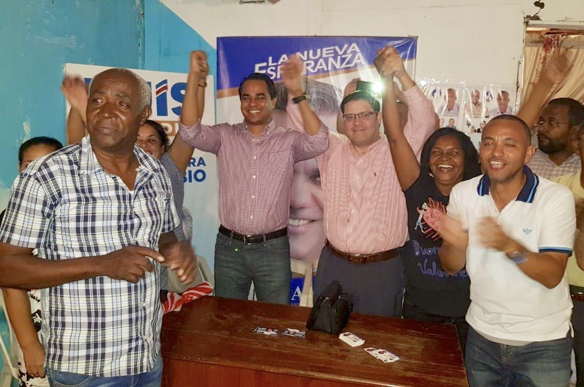 Eury Solano y Sanz Lovatón reciben apoyo en Capotillo