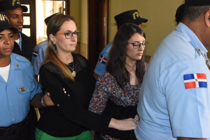 Resultado de imagen para tres meses de prisión estetica de las hermanas steffani