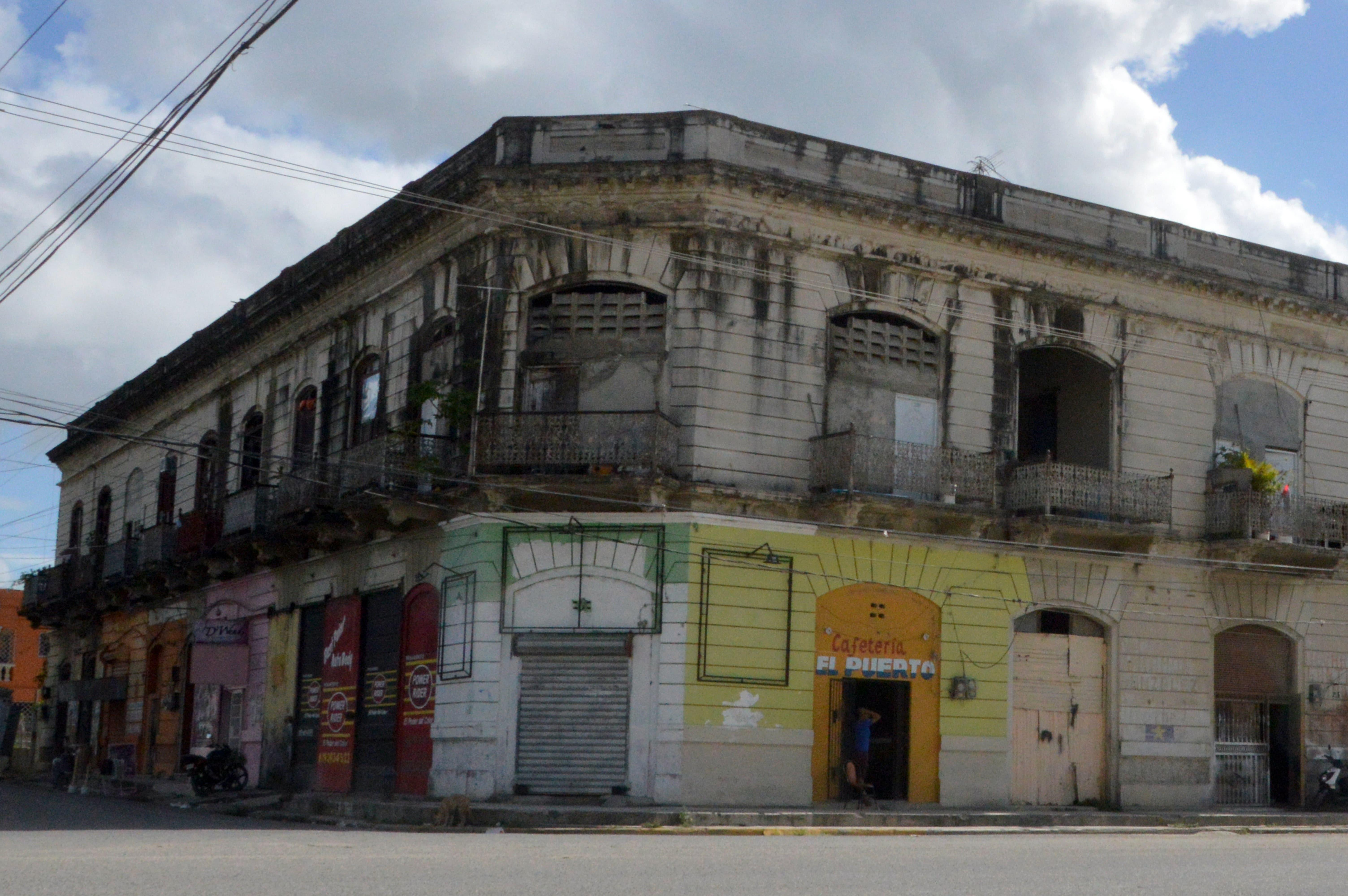 Antiguo local de los Tribunales y el Ministerio Público de San Pedro de macorís. Hoy/ Napoleón marte 29/01/2018
