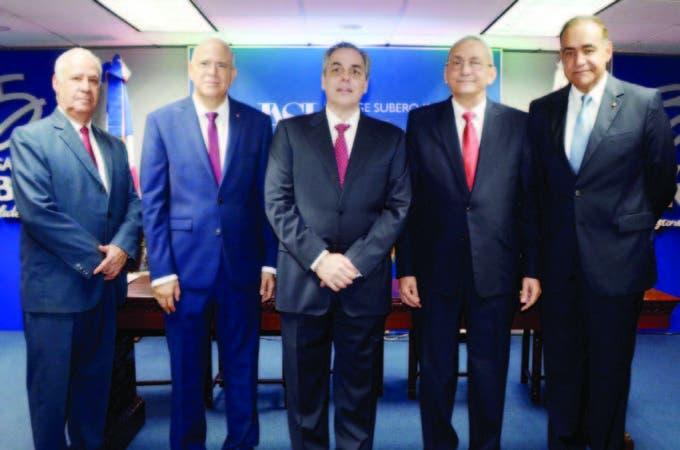 José Pérez Gómez, Gustavo Batista, Abraham Hazoury, Jorge Subero Isa y Julio Amado Castaños Guzmán