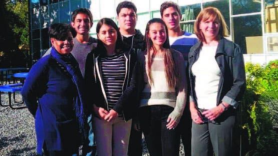 Los estudiantes que fueron partícipes del intercambio internacional
