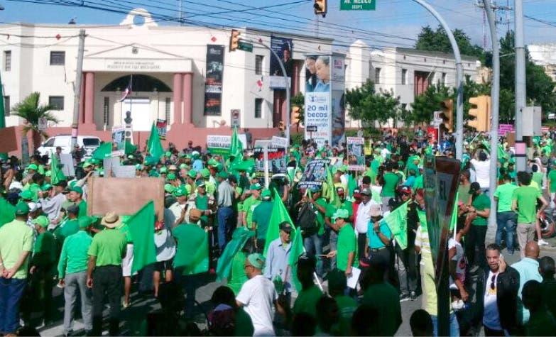 Videos: Colorido y júbilo caracterizan concentración Marcha Verde por cese impunidad