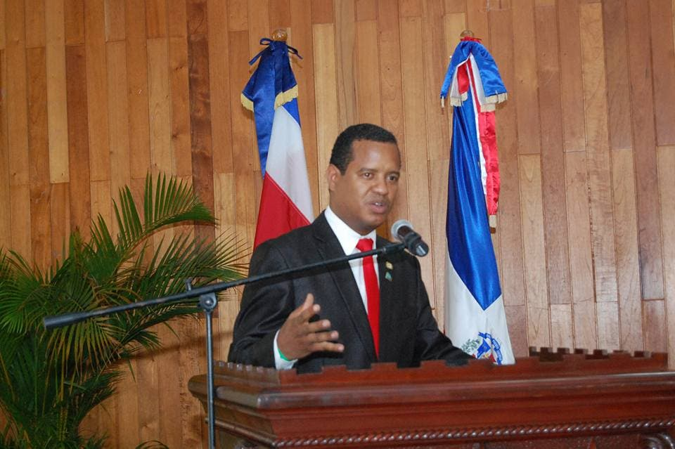 Miguel Valoy propone exenciones fiscales al sector construcción y ampliar planes de titulación