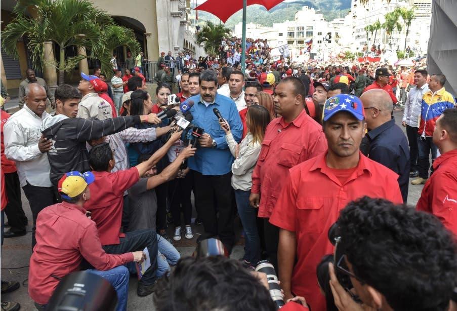 Maduro se declara dispuesto a reelegirse en votación adelantada