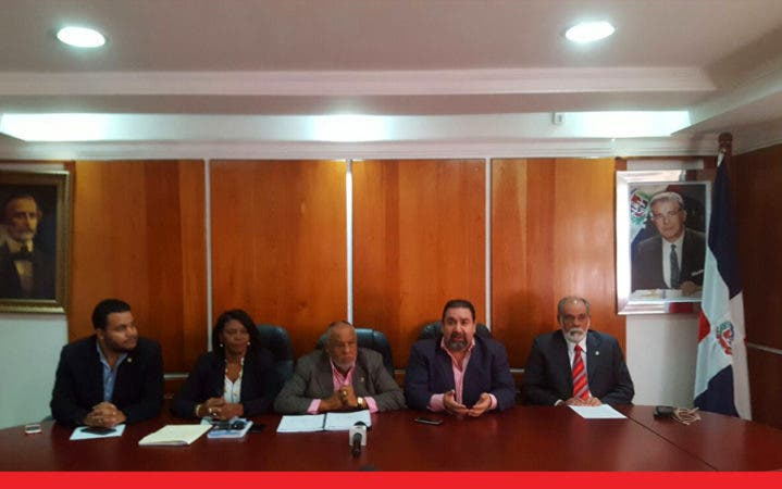 Bloque PRSC reintroduce proyectos Ley Electoral y de Partidos Políticos