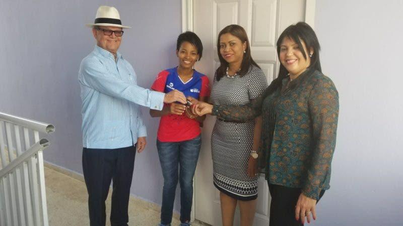 Senador Felix Vásquez, diputada Yomary Saldaña y alcaldesa Teresa Ynoa