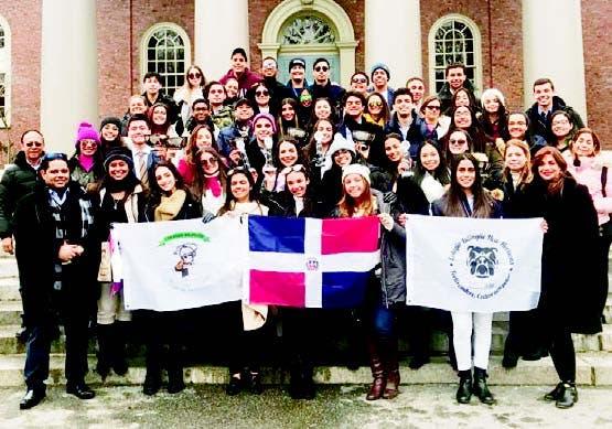 Alumnos del colegio Bilingüe New Horizons