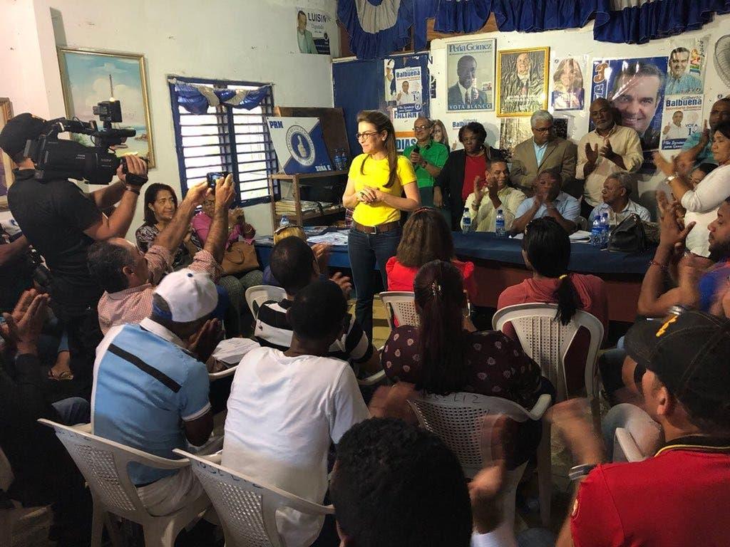Carolina Mejía plantea la necesidad de dotar al PRM de una dirección diferente