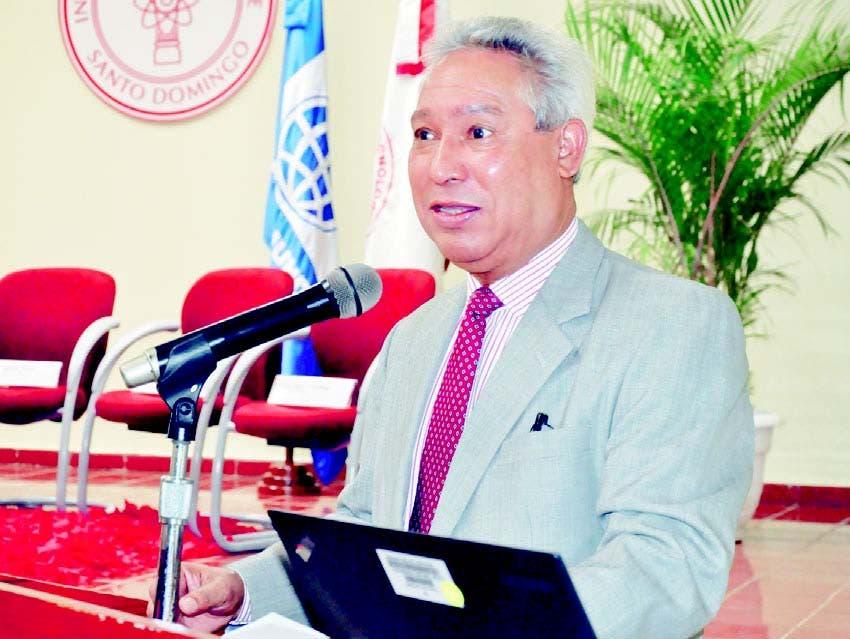 Ministro afirma necesidades  insatisfechas obligan  cambios