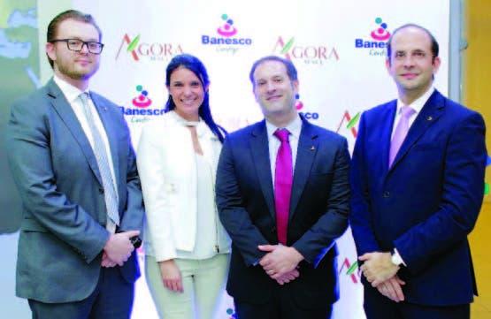 Dimitri Maleev, Sofia Guzmán, Kenneth Martí y Gianni Landolfi