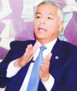 Donald Guerrero, ministro de Hacienda