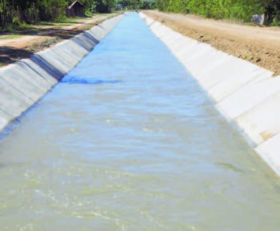 El canal Fernando Valerio irriga unas 260,000 tareas