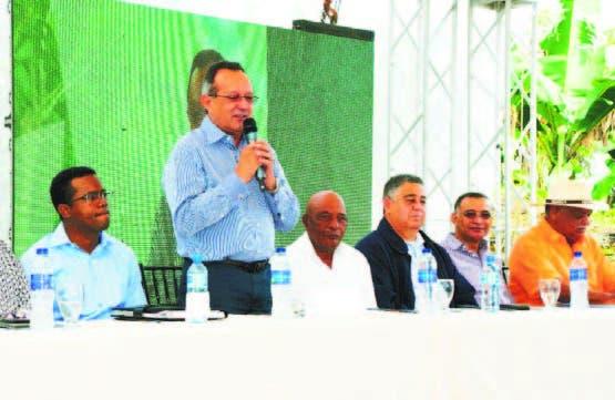 El ministro de Agricultura, Angel Estévez habla sobre el Rupa.