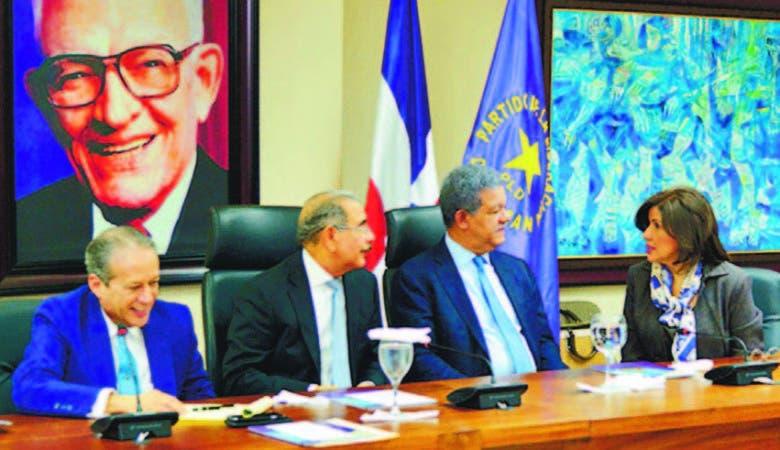 En la reunión del CP del PLD participaron 31 de los 35 miembros, entre el presidente Danilo Medina, el