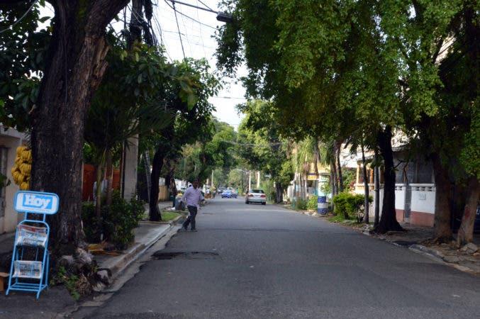 Calle Santiago, en Gascue. Hoy/ Napoleón Marte