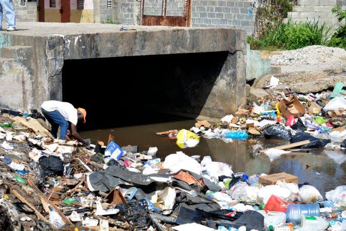 Recorrido por las cañadas  de Guajimía,  Bonavides, Cañada del Diablo  en la zurza son vulnerables a los altos niveles de pluviometría.  Periódico HOY / Osi Méndez