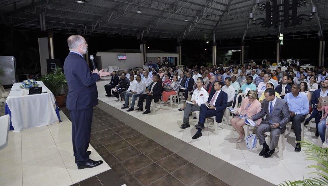 Asociación Cibao auspicia conferencia financiera para más de 200 pymes