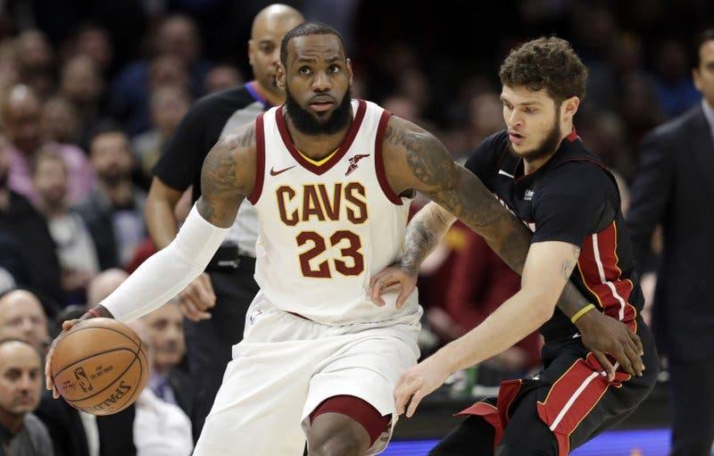 NBA: las estrellas convergen en LA con un duelo LeBron-Steph