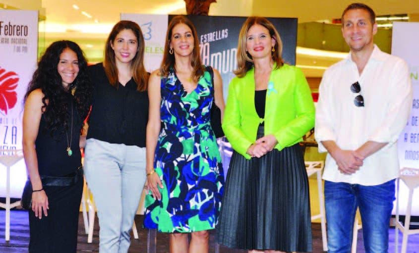 Maura Morales, Silvia Rosales, Mercedes Pellerano, Mónika Despradel y Paul Seaquist
