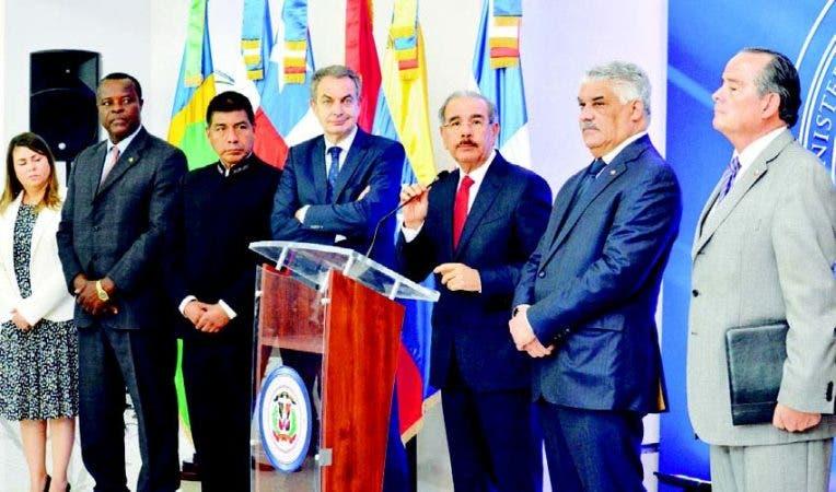 Medina, Rodríguez Zapatero, mediadores y oposición, que anunció publicará peticiones próximas horas