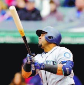 Nelson Cruz es duro con el bate