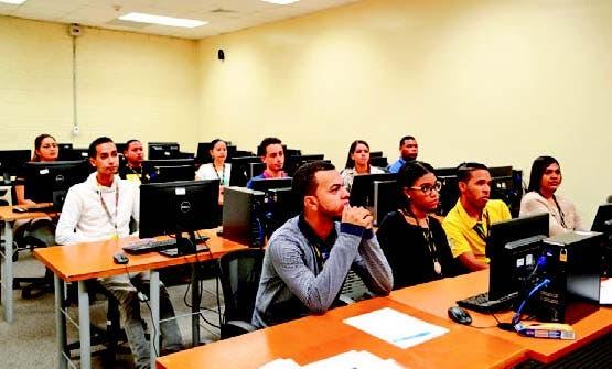 Participantes en programa de formación de Infotep.