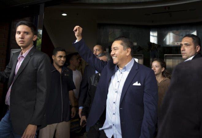 Javier Bertucci, el pastor evangélico que llena el vacío dejado por la oposición en las elecciones de Venezuela