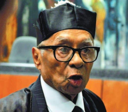 Pese a su edad Ramón Pina Acevedo se mantenía litigando en tribunales.