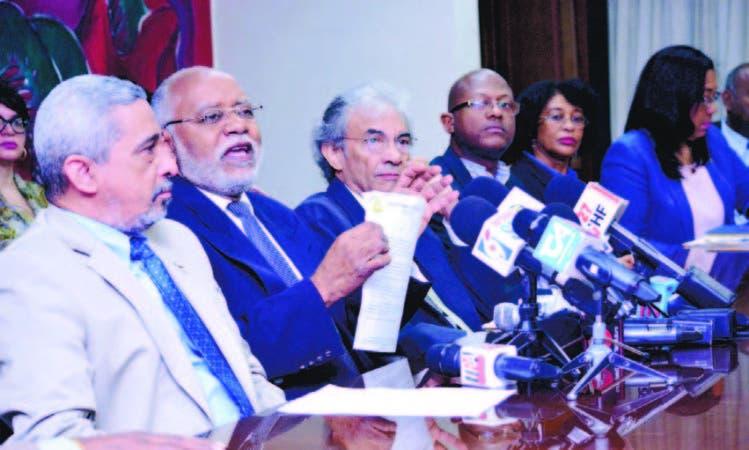 Presidente del CMD, Wilson Roa durante la rueda de prensa