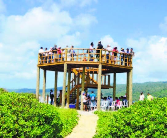 Torre de observación de ballenas en Cayo La Farola