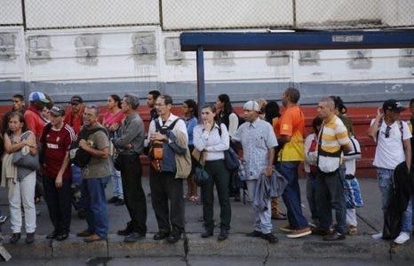 El absentismo laboral se dispara en Venezuela mientras la nación se hunde cada vez más en la crisis política y económica